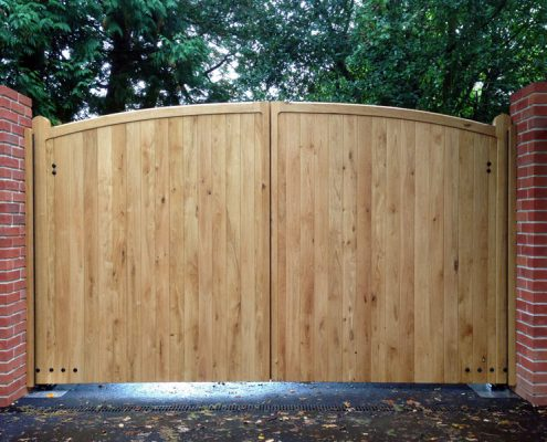 Automated oak sherborne gates