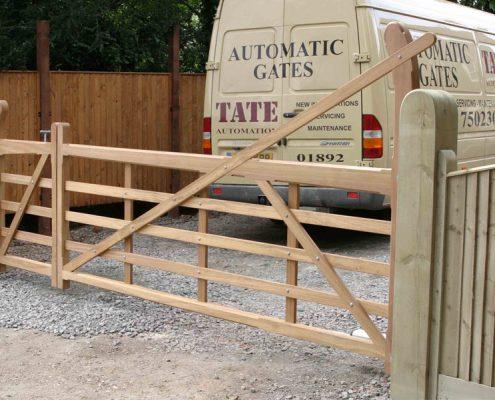 Iroko yeoman gates installation